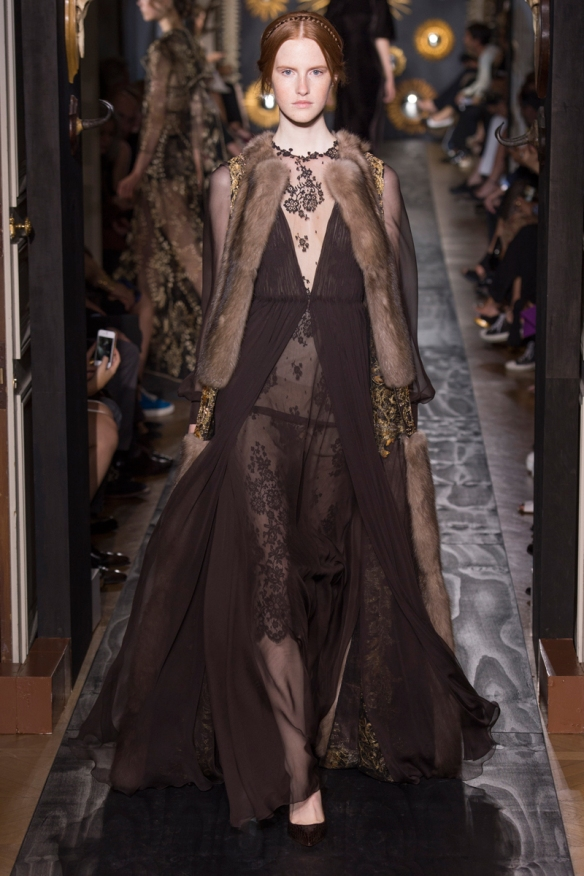 valentino-fall-2013-couture-48_160237993843